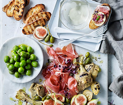 CH4872_Charter Hall_National_Recipes Spring 2019_WebTiles_FA_Fig, Prosciutto & Antipasto Salad_404x346